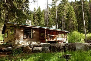 Sweet Sage Luxury Vacation Rentals :: A small but hand-picked collection of vacation rental homes, family lodges and cabins throughout the Bitterroot Valley. Some are mountaintop, some riverside.