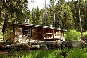 Sweet Sage Vacation Rentals :: A small but hand-picked collection of vacation rental homes, family lodges and cabins throughout the Bitterroot Valley. Some are mountaintop, some riverside.