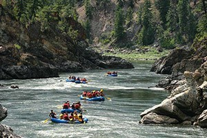 Lewis & Clark River Adventures :: Guided and family-friendly raft and kayaking trips on the Clarks Fork and Blackfoot Rivers around Missoula, plus the Lochsa River in Idaho. Plus, Missouri River canoe trips.