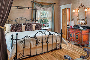 Gibson Mansion - a step above hotel rooms