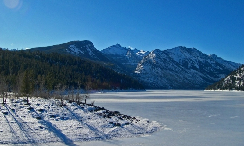 Bitterroot Mountains and Lake Como in Winter